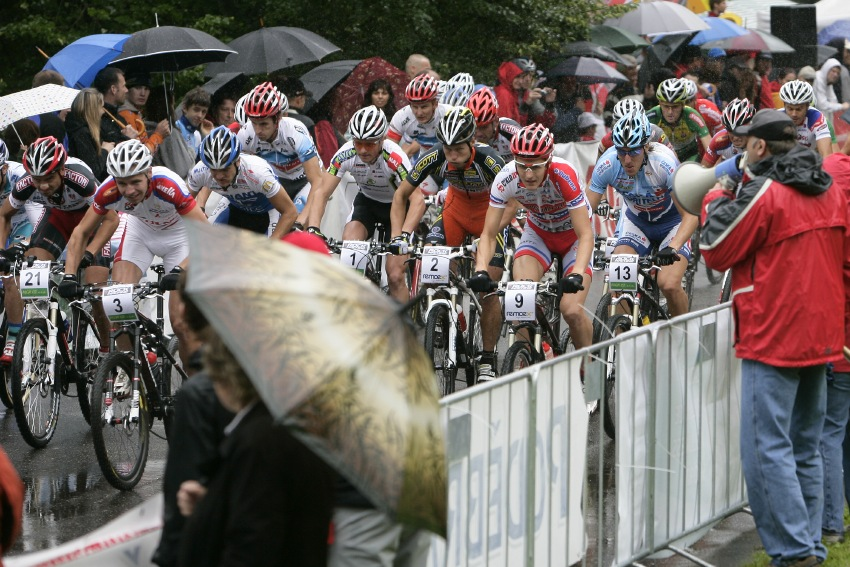 Mistrovství ČR MTB XC 2009 - Karlovy Vary: start elity