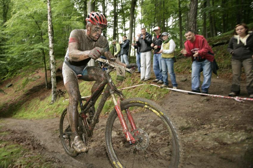 Mistrovství ČR MTB XC 2009 - Karlovy Vary: Pavel Boudný už na prvním místě