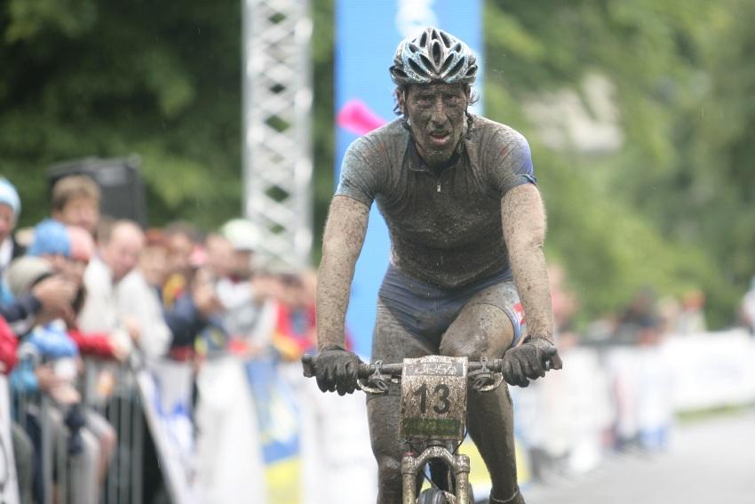 Mistrovství ČR MTB XC 2009 - Karlovy Vary: Milan Spěšný z bronzu příliš radost neměl