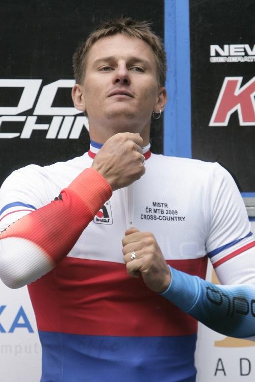 Mistrovství ČR MTB XC 2009 - Karlovy Vary: ... a je to ... Pavel Boudný českým šampionem