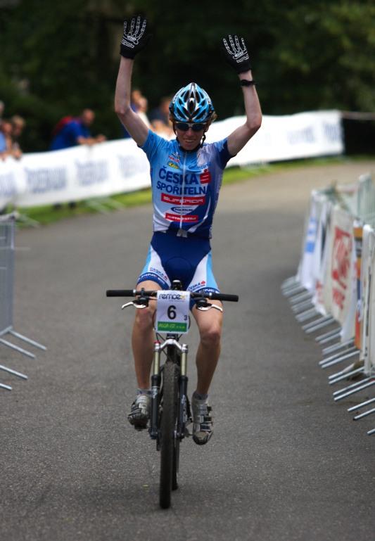 Mistrovství ČR MTB XC 2009 - Karlovy Vary - Jan Svorada přivezl týmu Česká spořitelna MTB titul