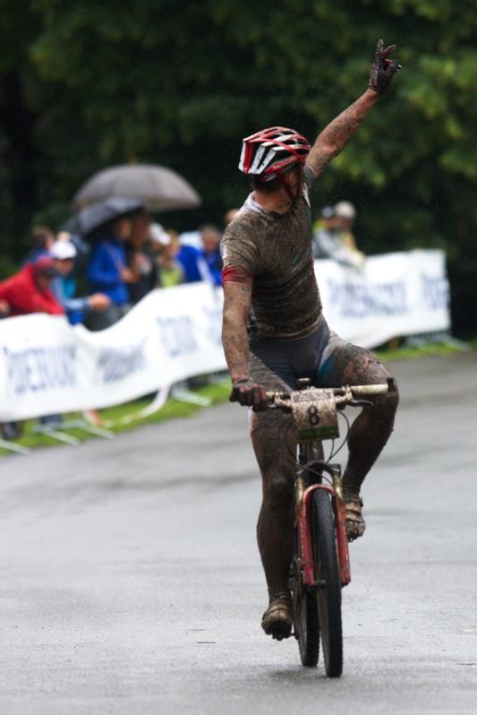 Mistrovství ČR MTB XC 2009 - Karlovy Vary - Pavel Boudný si dojíždí pro svůj třetí titul mistra ČR