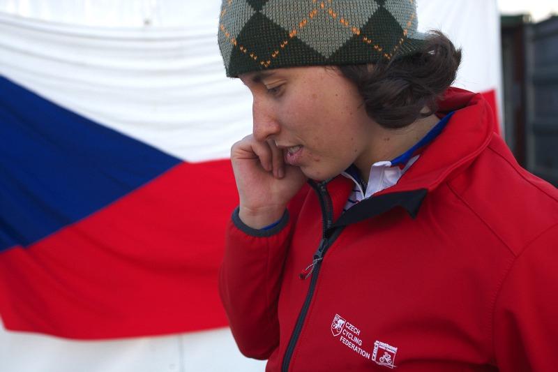 Mistrovství světa MTB 4X 2009 - Canberra /AUS/ - Romana Labounková informuje domov po kvalifikaci