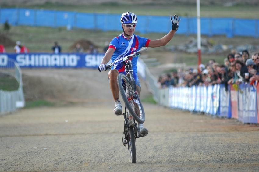 Mistrovství světa MTB XC 2009, Canberra - muži U23: Peter Sagan končí čtvrtý s typickým gestem