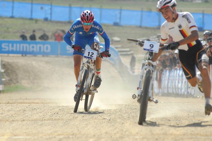 Mistrovství světa MTB XC 2009, Canberra - junioři: Německý závodník sedmou příčku skokem za čáru o pár setin udržel!