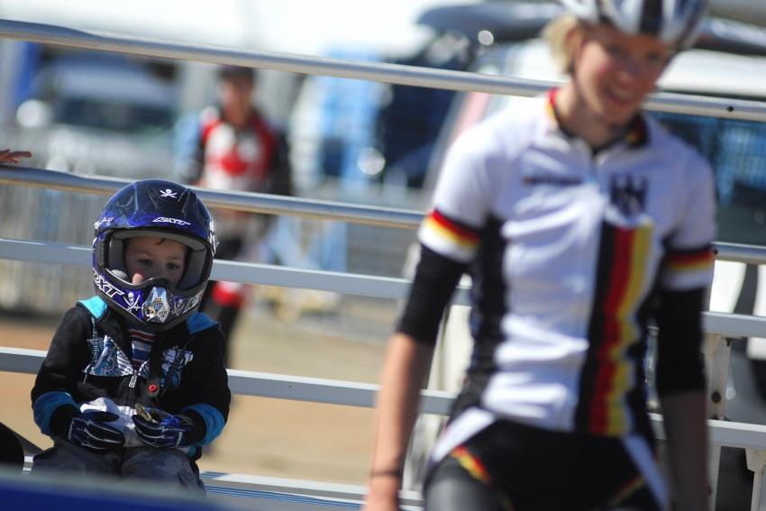 Mistrovství světa MTB 2009, Canberra - juniorky: Safety first