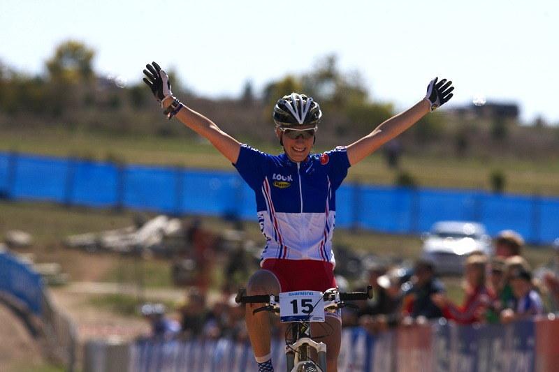 Mistrovství světa MTB XC 2009, Canberra /AUS/ - Pauline Ferrand Prevot v cíli jako mistryně světa