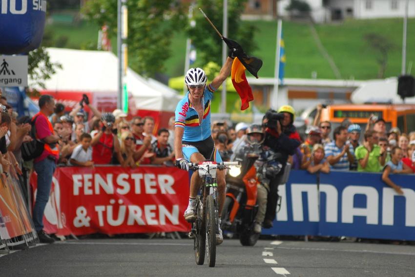 Mistrovství světa v MTB maratonu 2009 - Graz /AUT/: Roel Paulissen vítězí