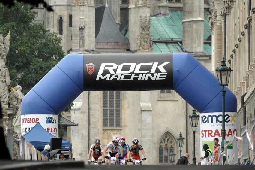 ČP MTB XC 2009 - finále Kutná Hora: vedoucí čtveřice juniorů - Rajchart, Skalický, Nesvadba, Paprstka