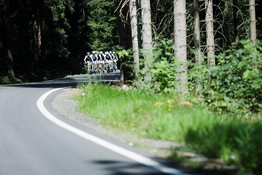 KPŽ Ještěd Tour 2009 - začátek byl po asfaltu
