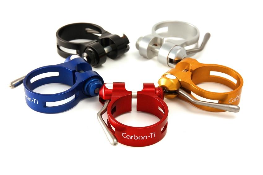 Luxus� komponenty Carbon-Ti: sedlov� obj�mky