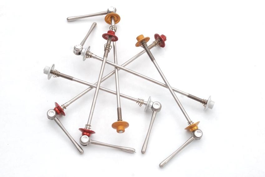 Luxus� komponenty Carbon-Ti: Rychloup�n�ky X-Lock Special MTB