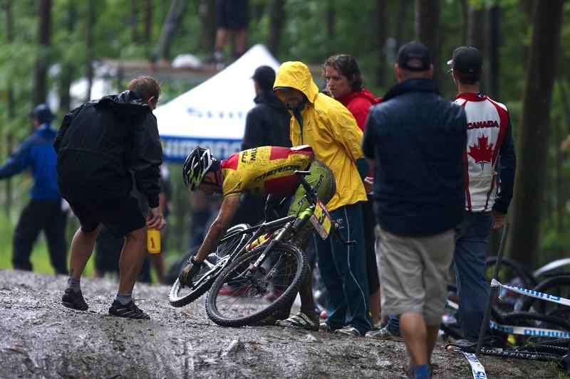 Nissan UCI MTB World Cup XCO #6 - Bromont /KAN/ 2.8. 2009 - Jose Antonio Hermida stav�l v depuu dvakr�t