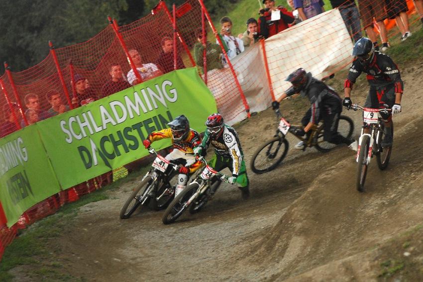 Světový pohár 4X, Schladming 2009: ostrá první zatáčka