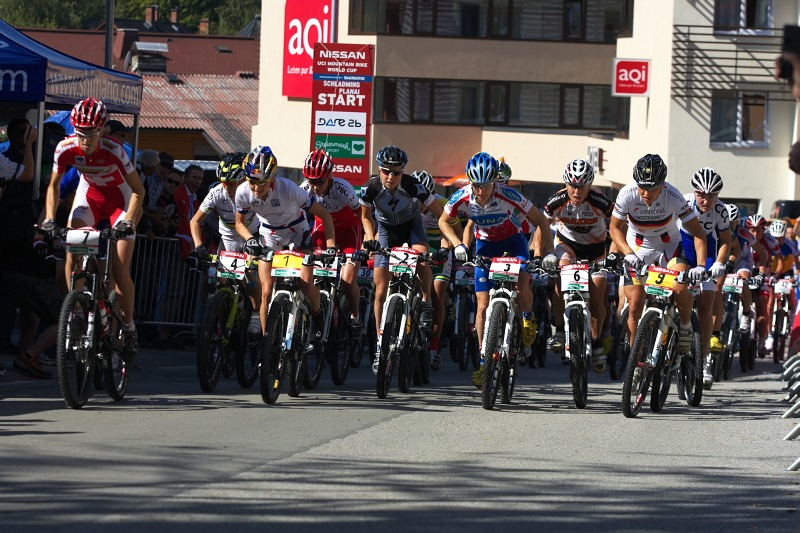 Nissan UCI MTB World Cup XCO #8, Schladming 19.9. 2009 - 11:15 a prvn� metry z�vodu �en