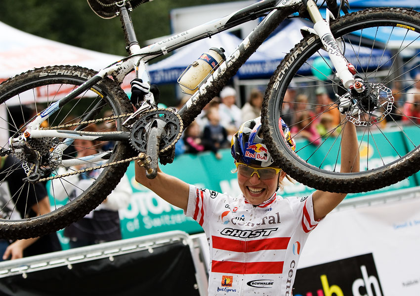 SP XCO Champéry 2009 ženy - Lisa Osl a její Ghost