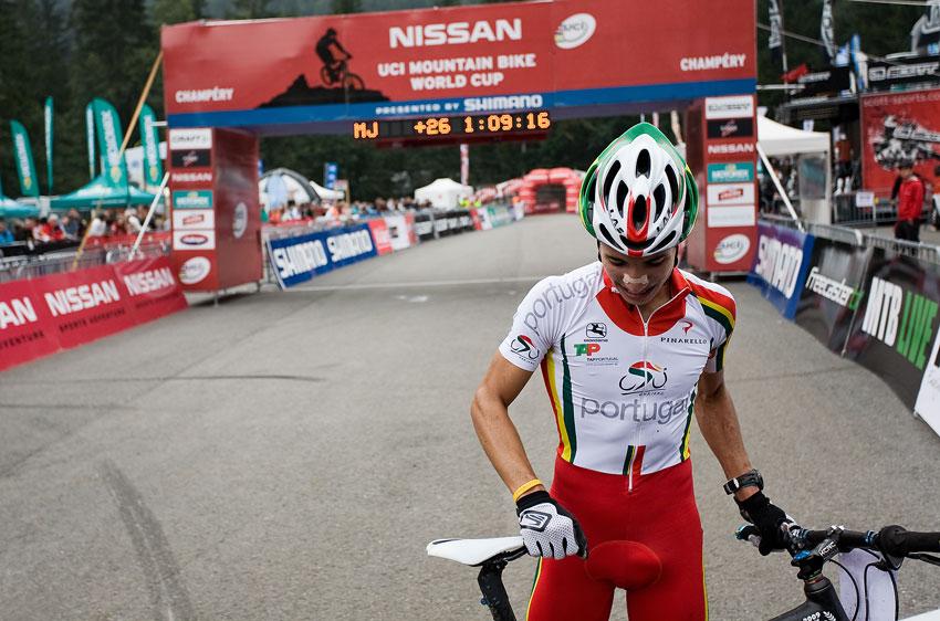 SP XCO Champéry 2009 junioři - nesmělý vítěz Ricardo Marinheiro