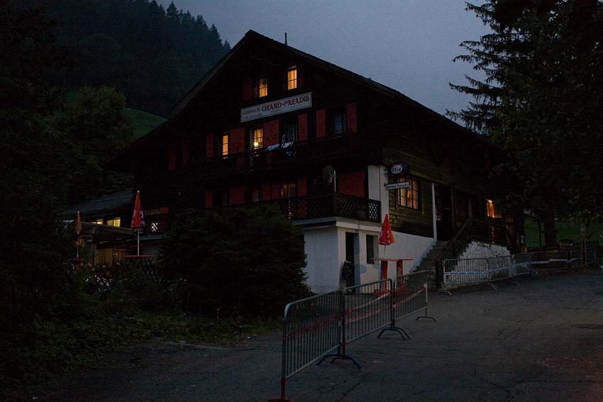 SP XCO Champéry 2009 - horská chata Grand Paradis večer před startem