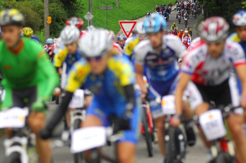 Mistrovství ČR v MTB maratonu - Specialized Rallye Sudety '09: první stovky metrů