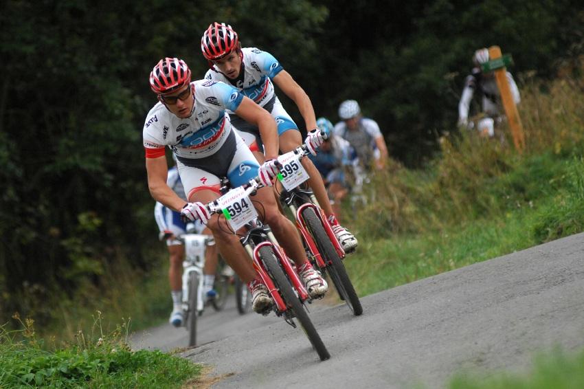 Mistrovství ČR v MTB maratonu - Specialized Rallye Sudety '09: stejně tak duo Boudný Novák z Odlo Specialized