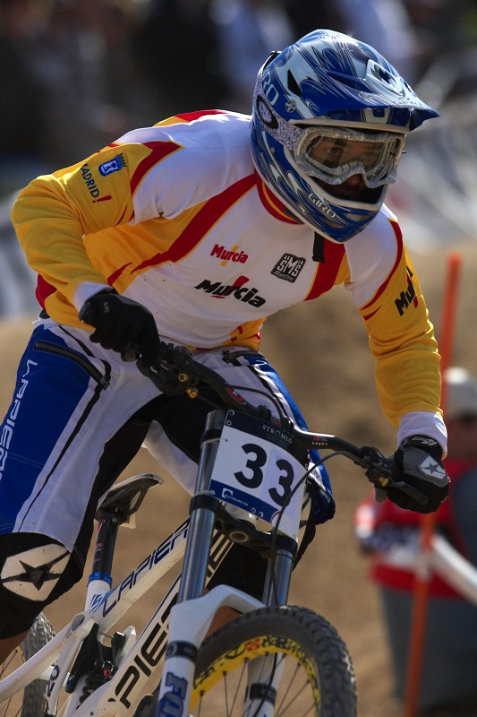 Mistrovstv� sv�ta MTB DH 2009, Canberra /AUS/ - �pan�l David Vaquez Lopez jezd�val v prvn� des�tce, letos sta�il jen na 25. m�sto