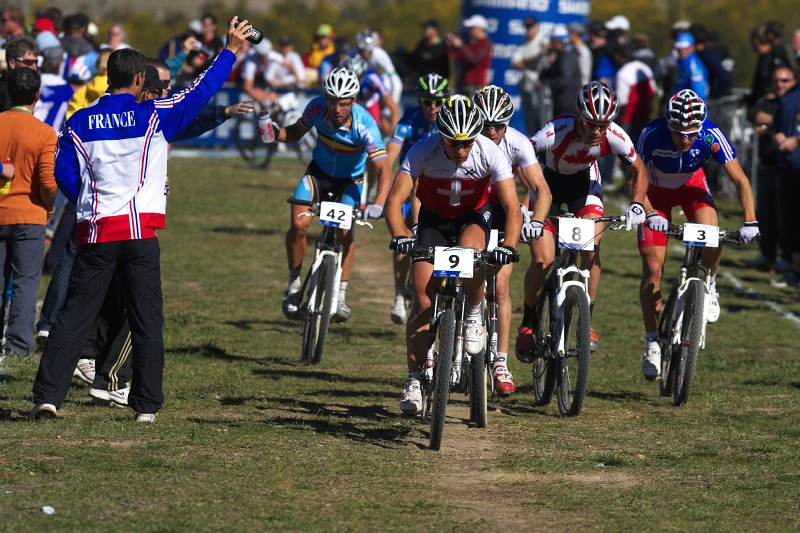 Mistrovství světa MTB XCO 2009 - Canberra /AUS/ - čelo závodu v prvním okruhu