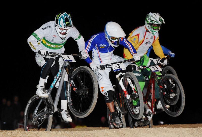 Mistrovství světa MTB 4X 2009 - Canberra /AUS/ - finále, zcela vzdau v pravo Jakub Říha