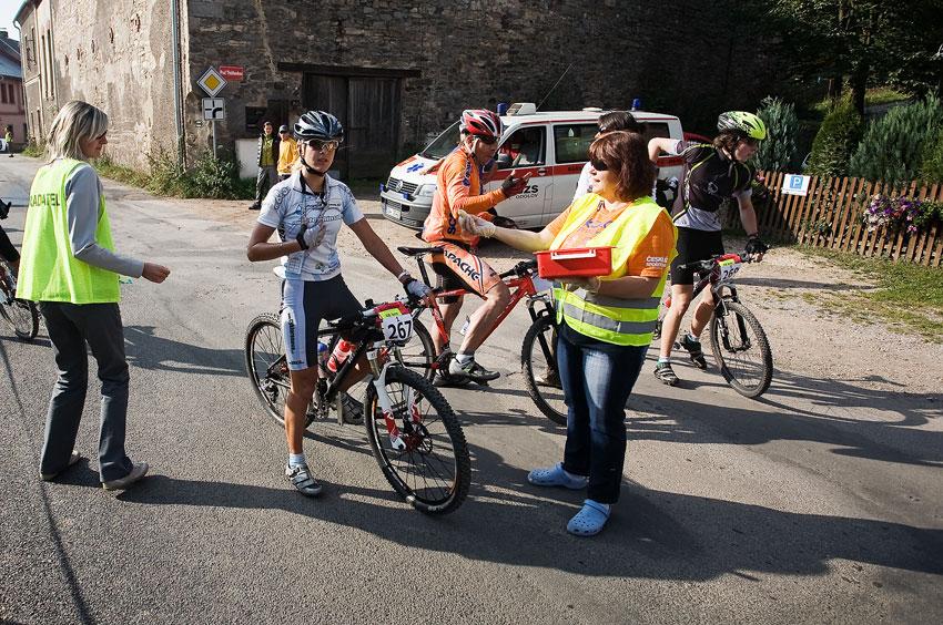 Scott Žacléřská 70 MTB 2009 - Ivana Loubková za nejlepší ženský tým Cyklorenova Cvikov