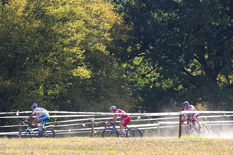 Cyklokros - Toi Toi Cup 2. závod, Stříbro 26.9. 2009 - honička trojičky nejrychlejších