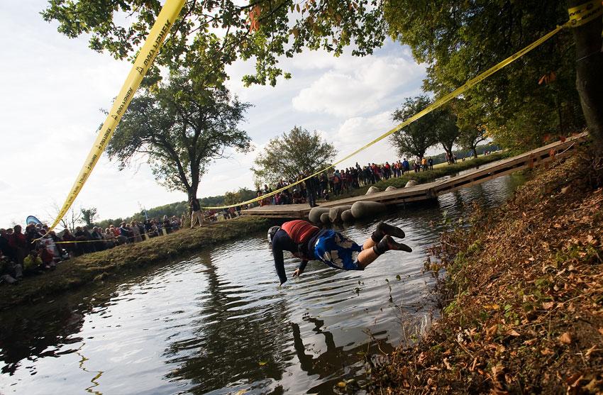 Free Litovel Bobr Cup 2009 - skok do vody a b�h pro lo�, to byl za��tek pro kajak��e
