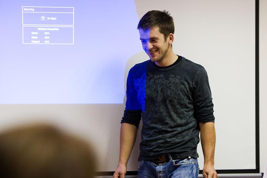 Alltraining podzimní kemp Český ráj 2009 - Martin Horák se chystá na přednášku