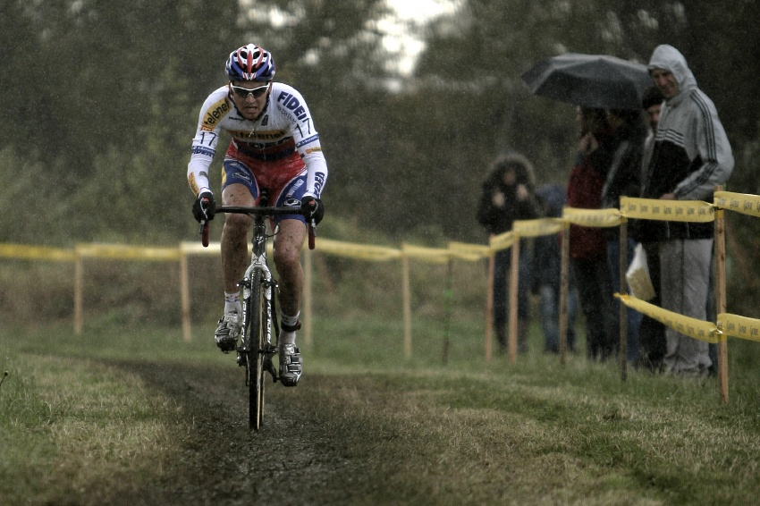 Světový pohár v cyklokrosu #2, Plzeň 18.10.2009 - Zdeněk Štybar se brzy pustil do úniku