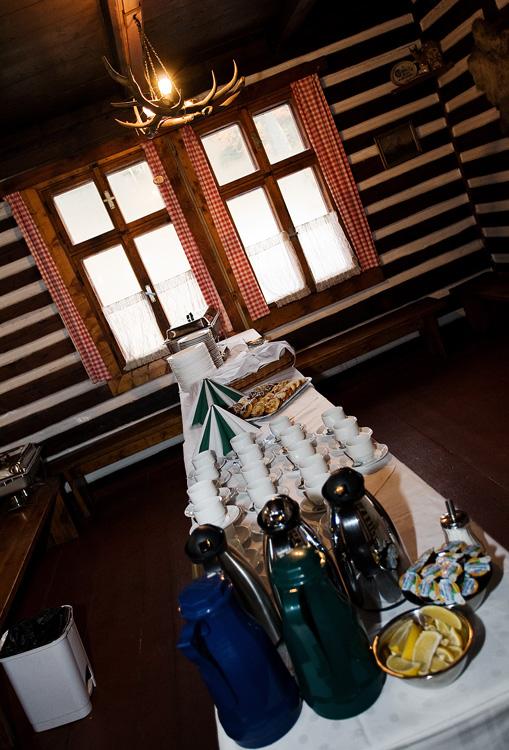 ČeMBA Singltrek pod Smrkem 2009 - rautík v horském stylu s čajem, kávou, koláči a guláškem...