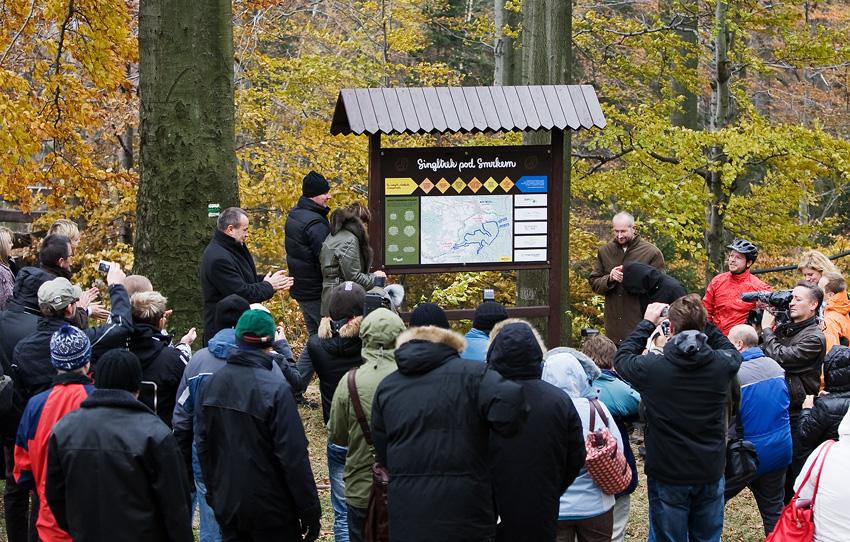 ČeMBA Singltrek pod Smrkem 2009 - otevření se zúčastnila řada vlivných hostů a zástupců médií