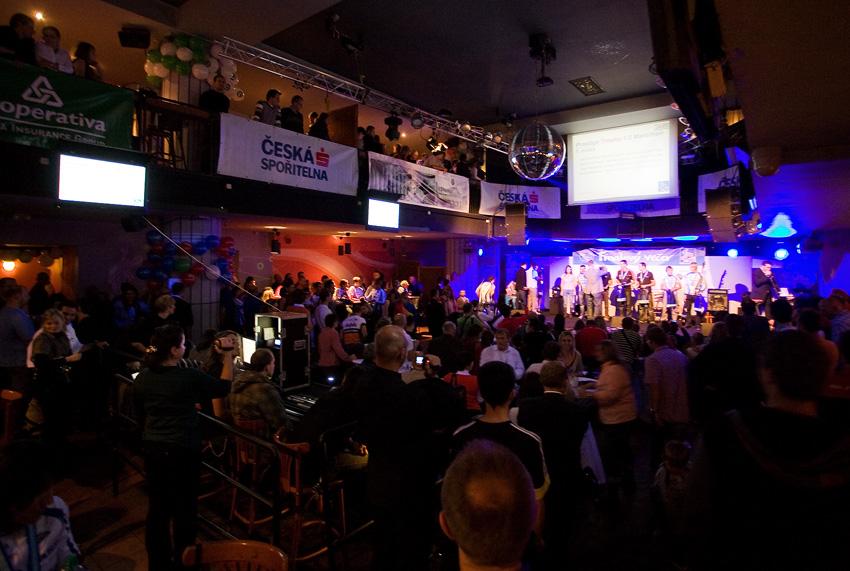 KP� Fin�lov� ve�er 2009 - zcela zapln�n� s�l Retro music hall