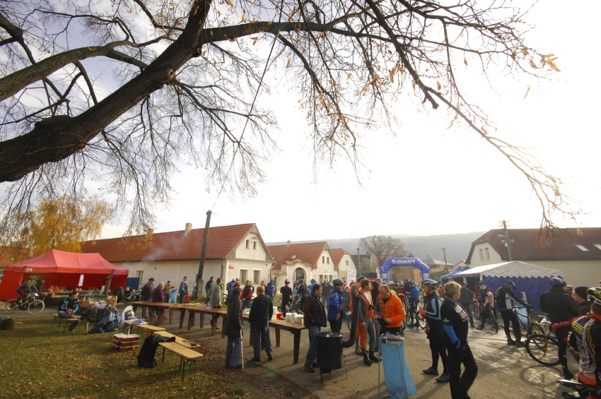 Winter Trans Brdy 2009 - náměstí v Letech