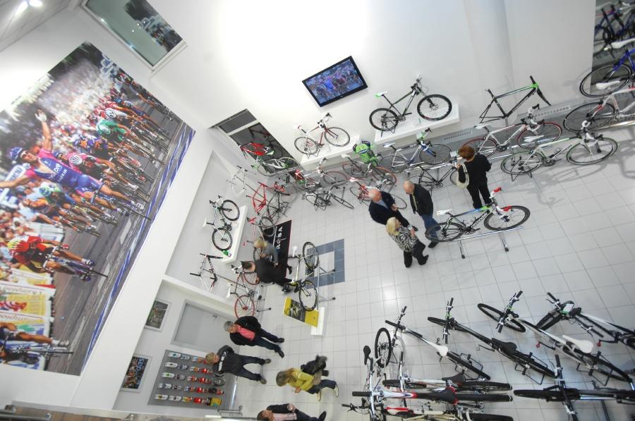Slavnostn� otev�en� nov� prodejny XCR v Brn�