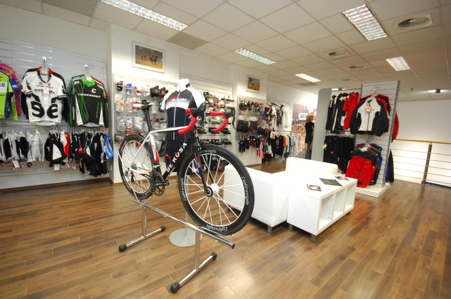Slavnostní otevření nové prodejny XCR v Brně - patro