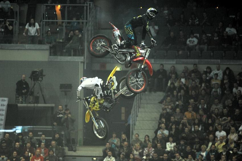 FMX Gladiator Games 2009, Praha: whip sem, whip tam