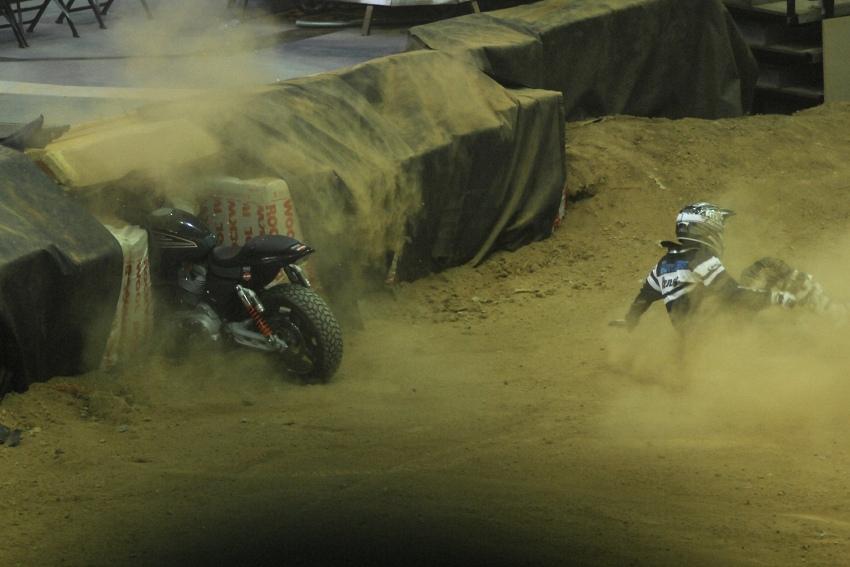 FMX Gladiator Games 2009, Praha: lehké zaváhání na dopadu
