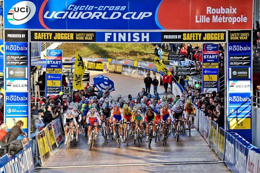 Sv�tov� poh�r v cyklokrosu, Roubaix /FRA/, 17.1.2010: Triumf Kate�iny Nash a Zde�ka �tybara (foto: Armin M. K�stenbr�ck)