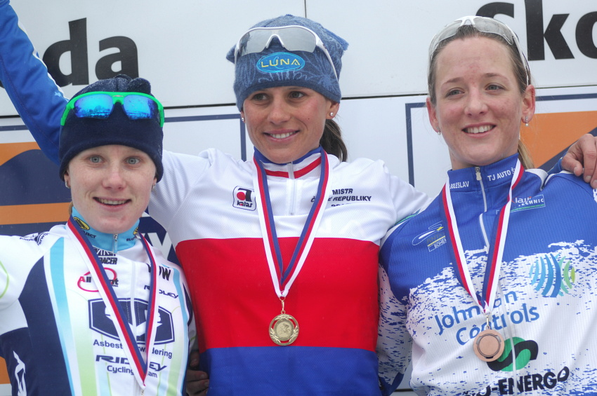Mistrovství ČR v cyklokrosu 2010, Tábor: 1. Nash, 2. Havlíková, 3. Kyptová