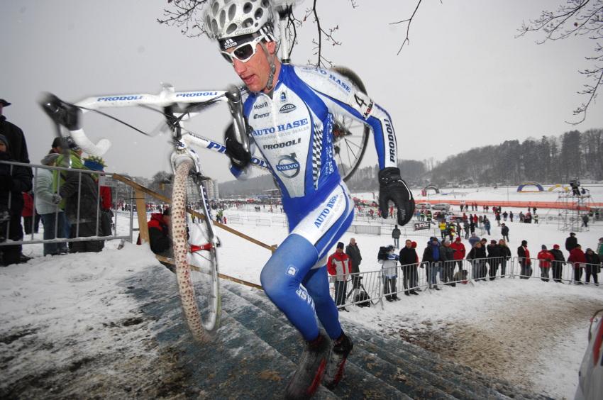 Mistrovstv� �R v cyklokrosu 2010, T�bor: Martin Zl�mal�k m�l k bronzu bl�zko