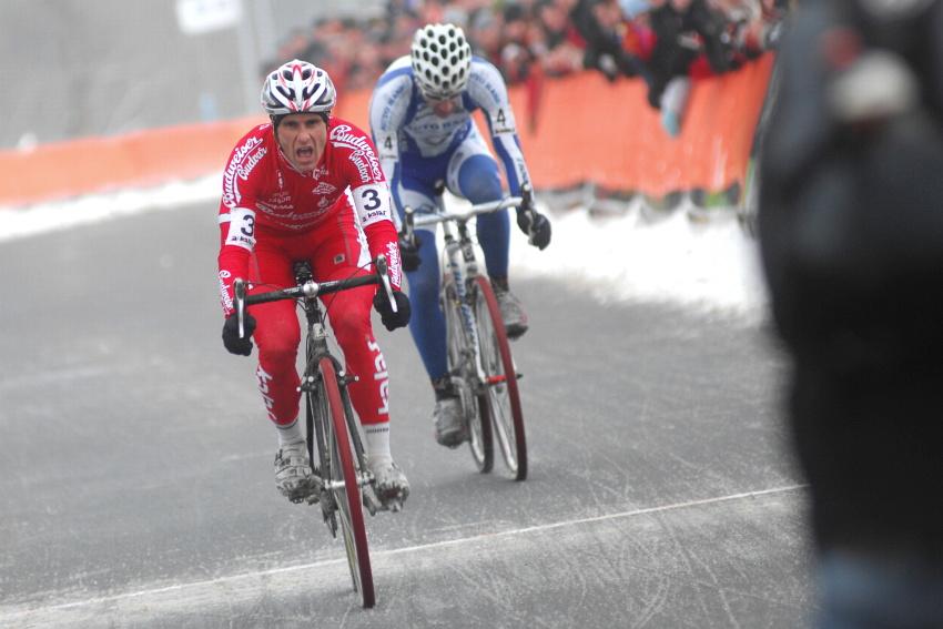 Mistrovstv� �R v cyklokrosu 2010, T�bor: Martin B�na si vyspurtoval bronz