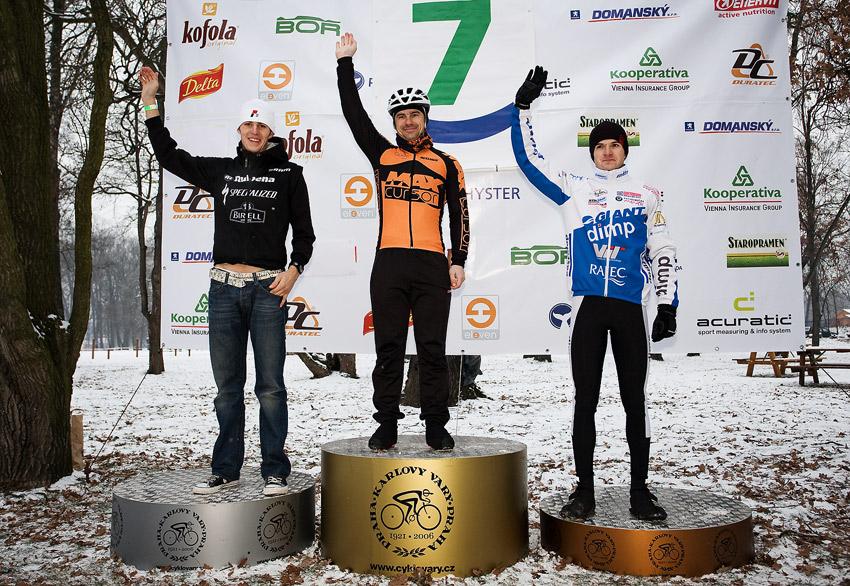 Vánoční cyklokros Praha-Stromovka 2009: 1. Mlynář 2. Kulhavý 3. Škarnitzl