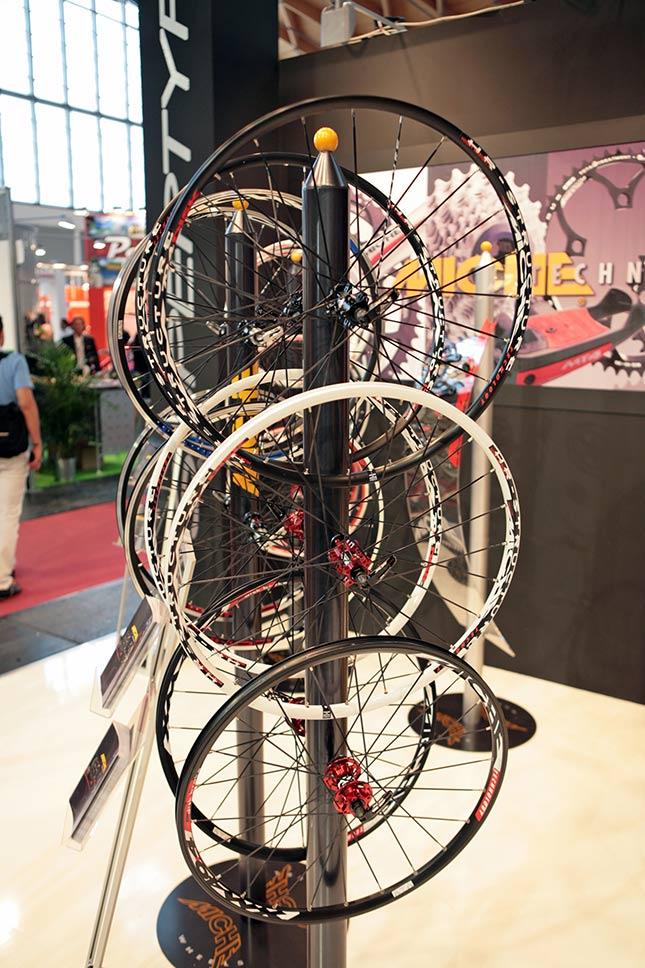 Galerie novinek 2010 z Eurobiku 2009 Mix