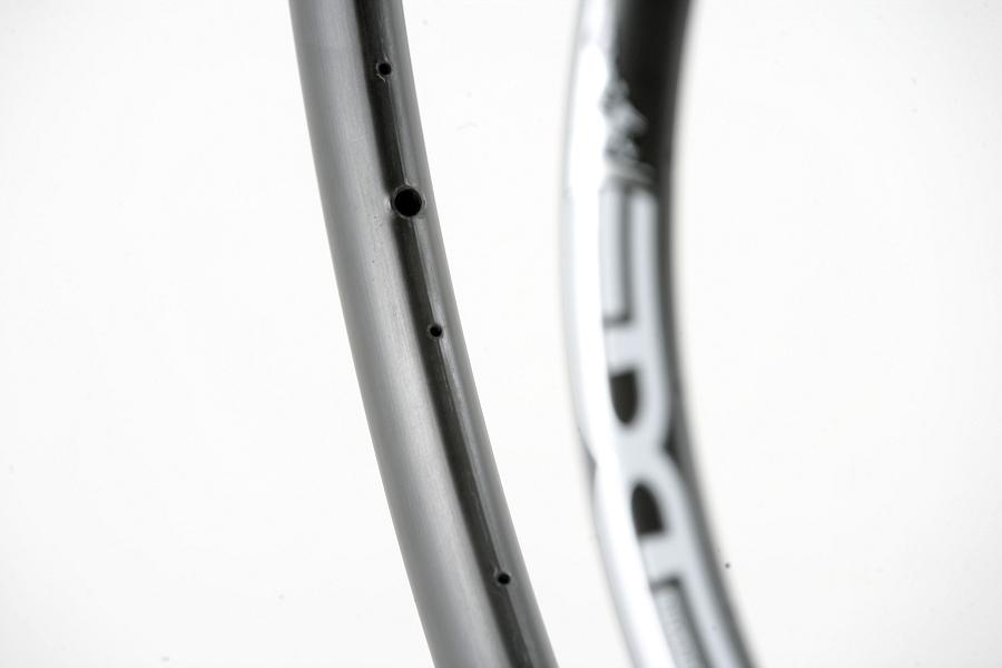 EDGE Composites - karbonová kola MTB