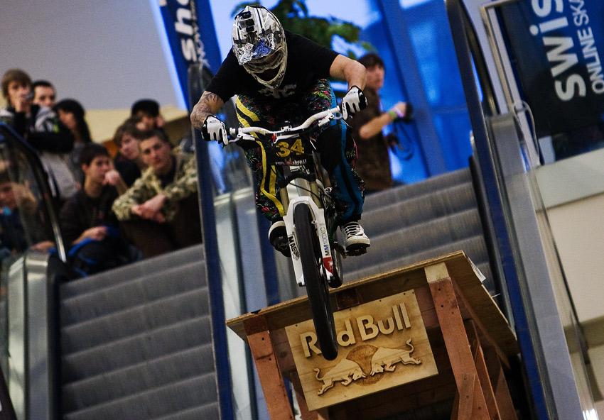 DownMall Liberec 2010: Štěpán Novotný na cílovém skoku