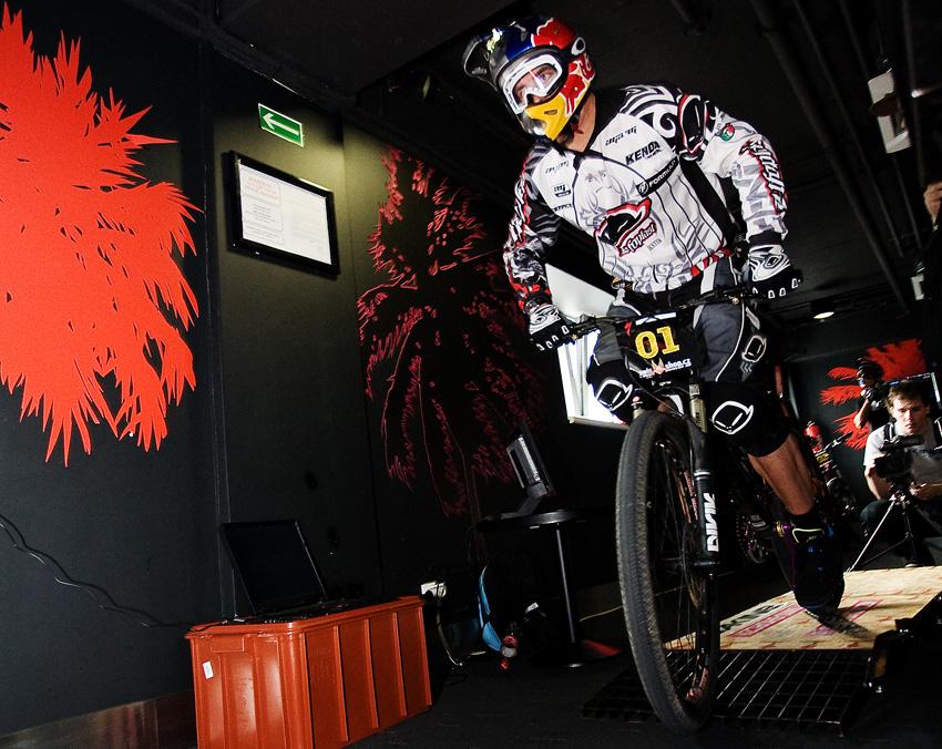 DownMall Liberec 2010: Michal Prokop právě odstartoval
