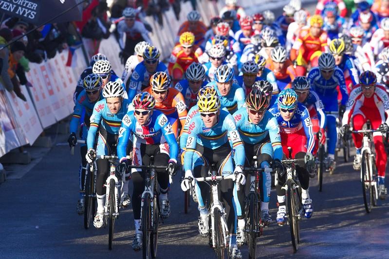 Mistrovství světa v cyklokrosu - Tábor 31.1. 2010, závod Elite - start!